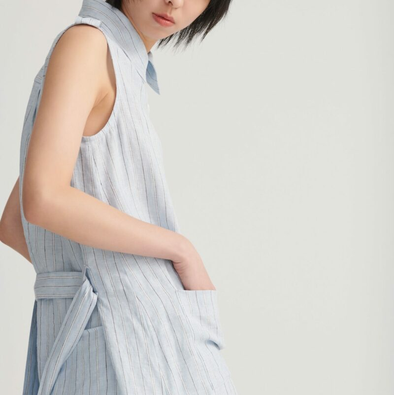 Shan Yong Sleeveless Simple Straight Striped Long Shirt (Two Colors)