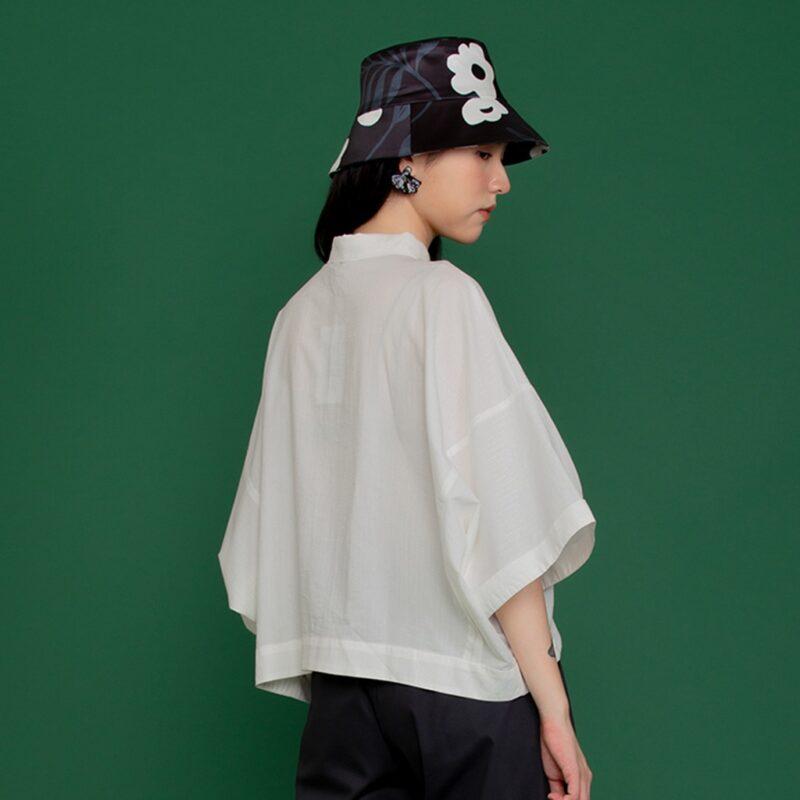 [Seasonal sale] Elegant white wide-sleeved shirt