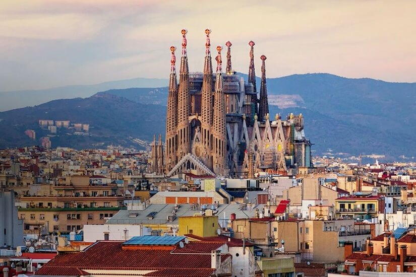 西班牙巴塞隆拿:Esquerra de l'Eixample 社區充滿活力與熱情