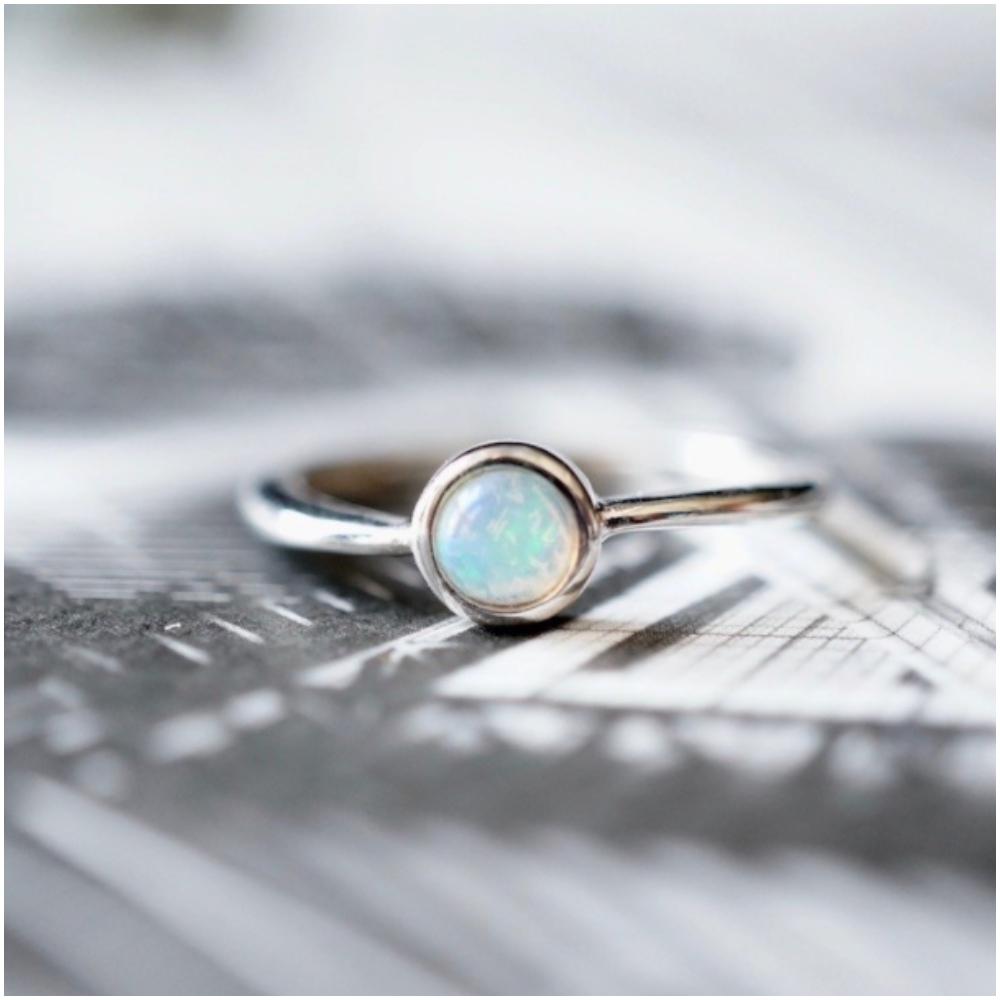 925 蛋白石銀戒指