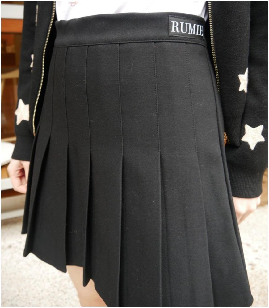 百摺俏麗短褲裙(按上圖訂購)