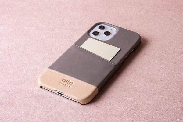 插卡手機殼,可以客製化,背面可放 1-2 張卡片