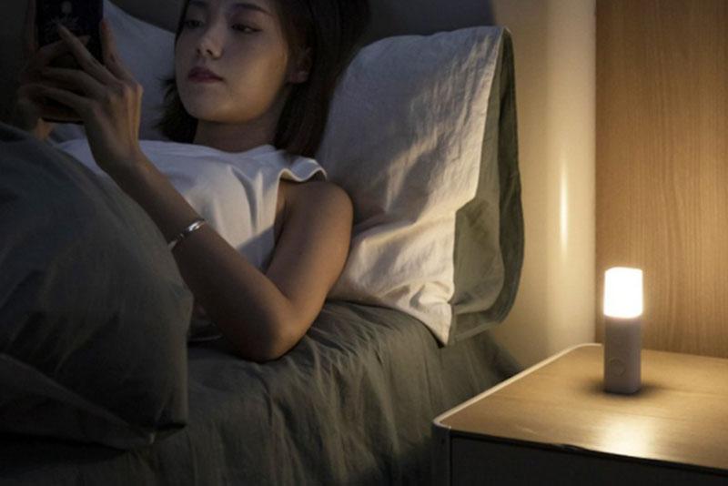 智能感應 LED 節能小夜燈。