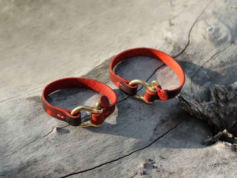 情侶手環推薦-皮革材質-黃銅馬蹄釦皮革手帶
