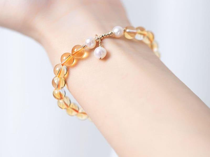 水晶手鍊推薦:黃水晶有助旺偏財、帶來驚喜