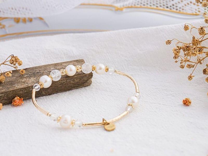 水晶手鍊推薦:白水晶有助平衡身心、有助健康