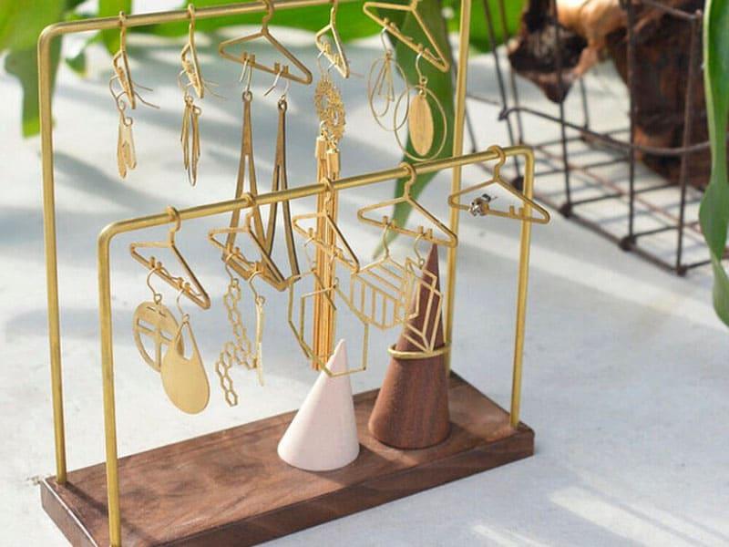 耳環收納架推薦-黃銅衣架造型耳環收納架