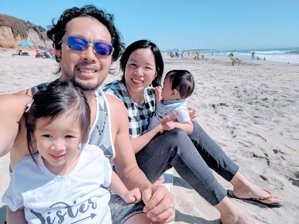 Mai 一家人到海邊遊玩,放鬆壓力