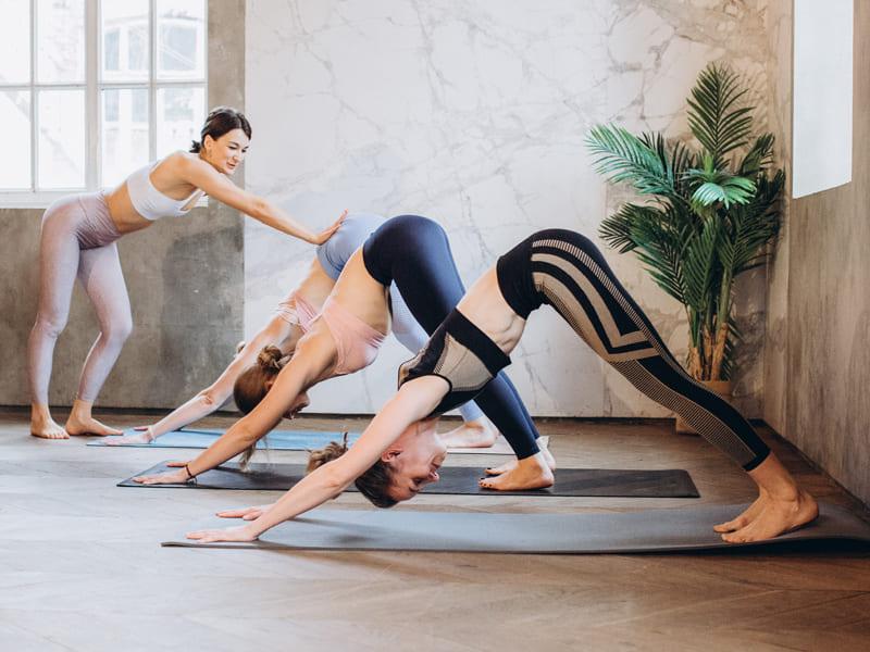 瑜珈動作-下犬式