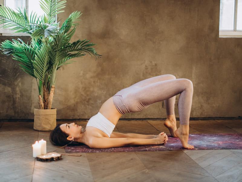 瑜珈動作-橋式