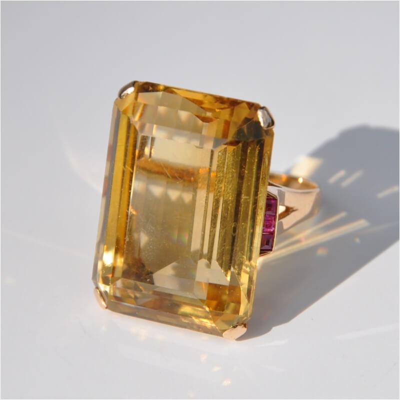黃水晶的主要產地在巴西,真正的黃水晶產量稀少