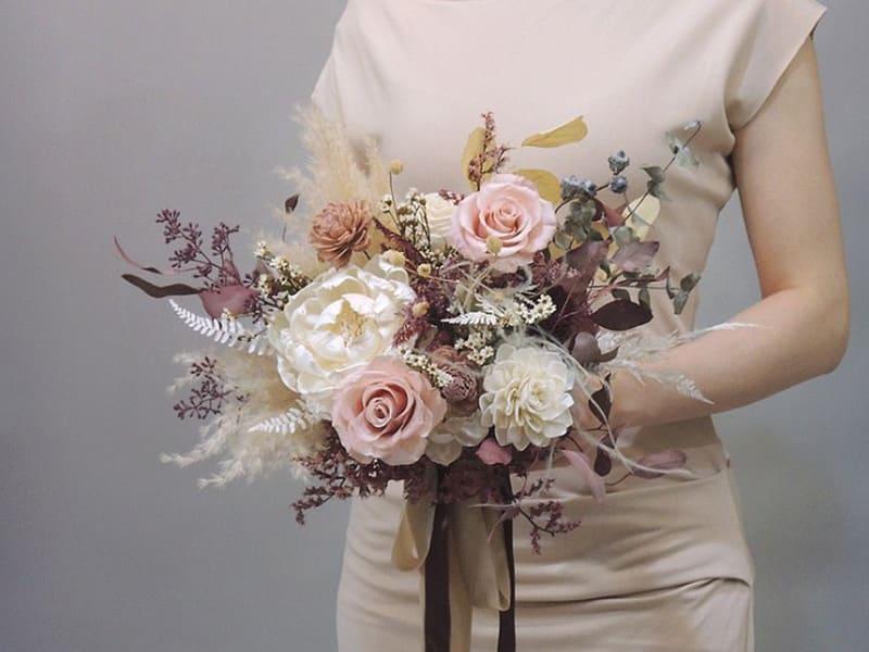 乾燥花捧花的復古文藝感更強烈