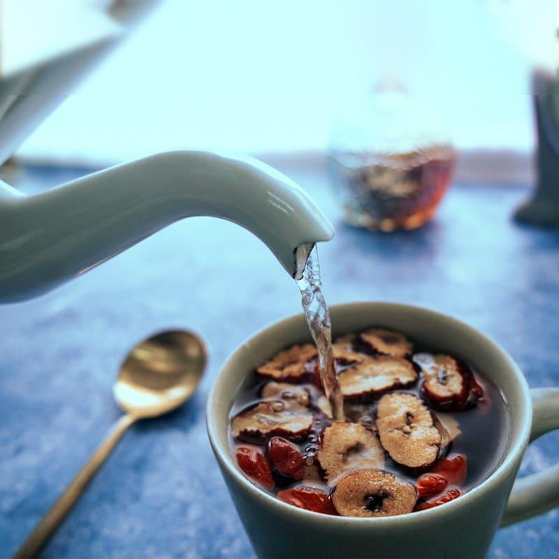 性溫熱的枸杞茶禁忌是在上火時飲用